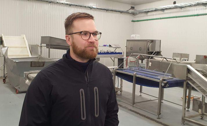 Anton Helgi Guðjónsson, framkvæmdastjóri Vestfisks ehf., í vinnslusalnum sem verið er að innrétta.