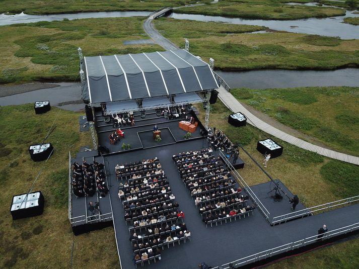 Frá hátíðarfundinum þann 18. júlí síðastliðinn. Töluvert færri mættu á fundinn en búist var við.
