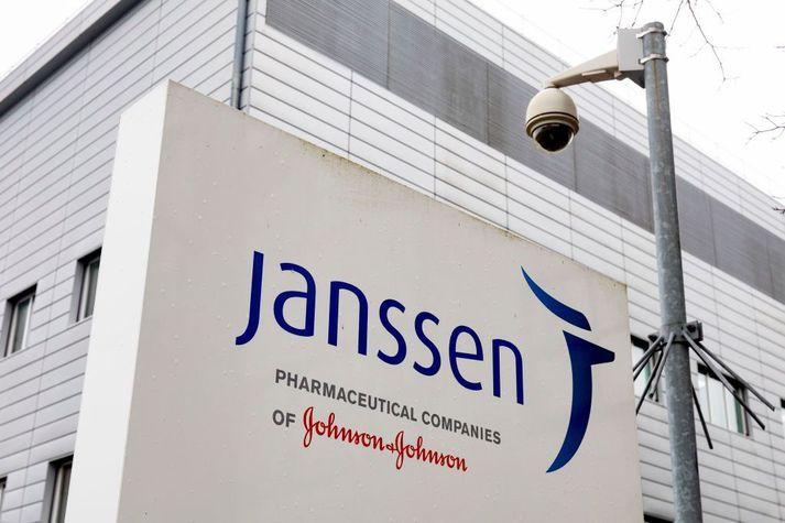 Bóluefni Janssen er nú á borði sérfræðinganefndar Lyfjastofnunar Evrópu.