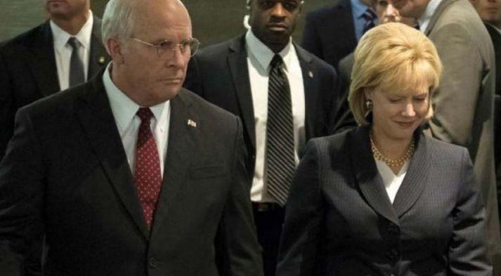 Christian Bale og Amy Adams eru óþægilega góð í hlutverkum Cheney-hjónanna þar sem Dick er óttalegur drulluhali á meðan frúin er mögnuð Lafði Macbeth.