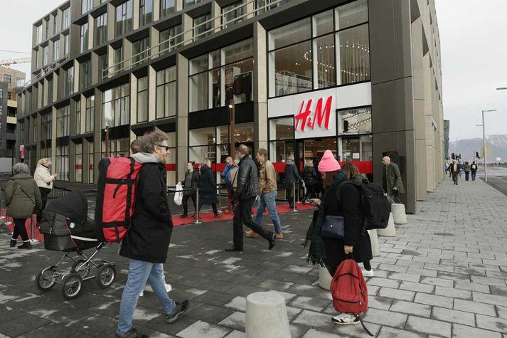 Þriðja H&M-verslunin á Íslandi var opnuð á Hafnartorgi á föstudag.
