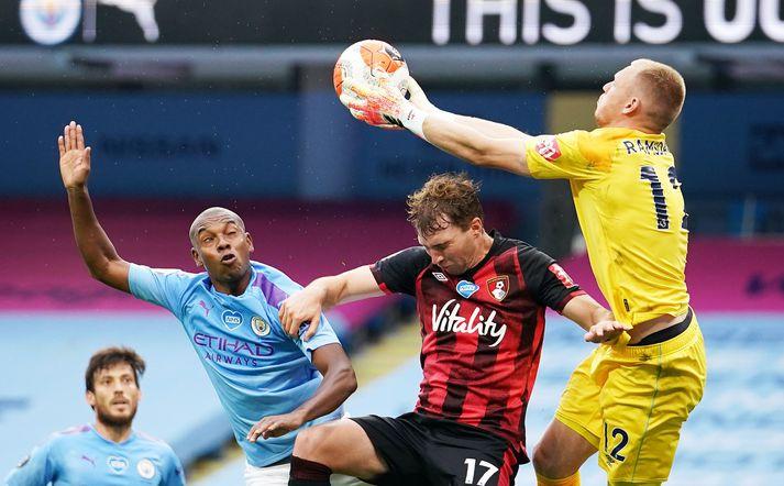 Ramsdale í leik gegn Manchester City.