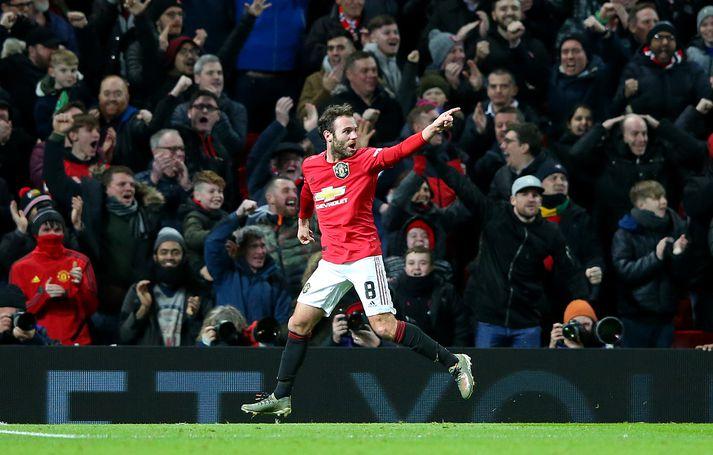 Mata var hetja United gegn Wolves.
