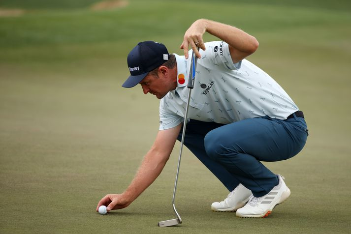 Justin Rose hefði vart getað byrjað Masters-mótið í golfi betur.