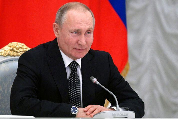 Vladímír Pútín Rússlandsforseti ræðir um breytingar á stjórnarskrá á fundi starfshóps hans í febrúar.