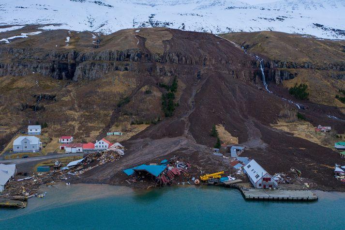 Skriðan á föstudag skildi eftir sig mikla eyðileggingu á Seyðisfirði.