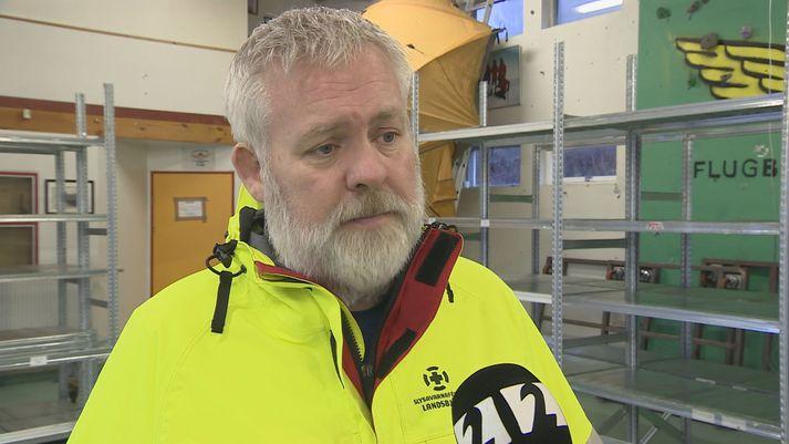 Jónas Guðmundsson hjá Slysavarnafélaginu Landsbjörg hefur áhyggjur af þeirri hættu sem getur skapast við sjálfsmyndatökur við ferðamannastaði.