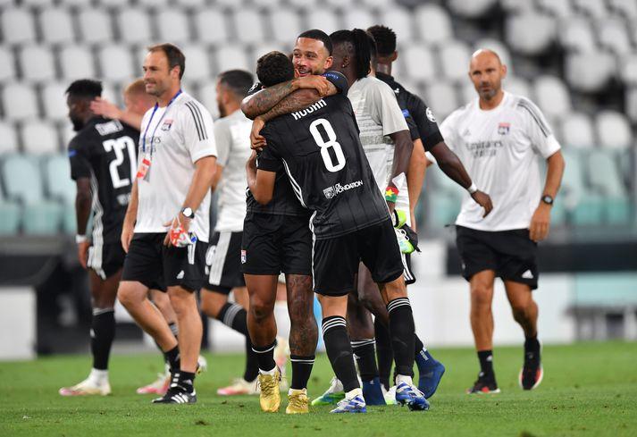 Depay fagnar sigrinum gegn Juventus í 16-liða úrslitum Meistaradeildarinnar.