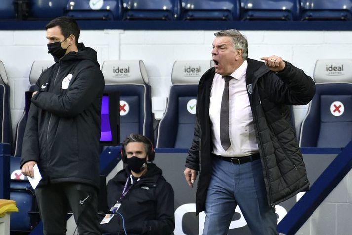 Sam Allardyce lét skoðun sína á dómgæslunni í ljós á hliðarlínunni í leik West Bromwich Albion og Liverpool í gær.