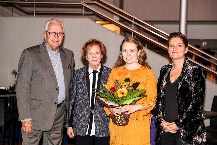 Brynjólfur Bjarnason, Frú Vigdís Finnbogadóttir, Þórdís Helgadóttir og Kristín Eysteinsdóttir.