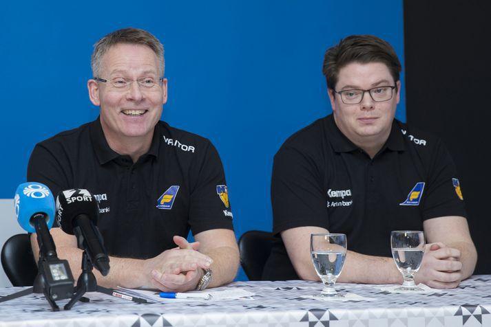 Guðmundur Guðmundsson og Gunnar Magnússon, aðstoðarmaður hans.