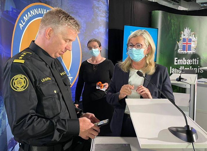 Víðir, Alma og Kamilla mæta á fundinn á morgun.