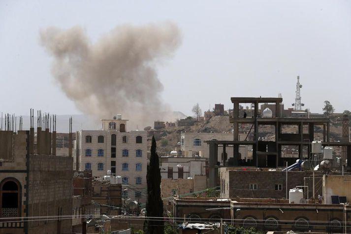 Yfirvöld í Jemen herja á uppreisnarsveitir Húta.