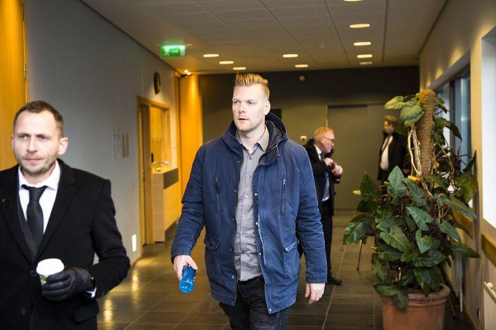 Sindri Þór ásamt verjanda sínum, Þorgils Þorgilssyni.