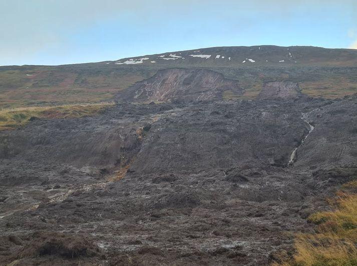 Skriður féllu aðfaranótt 4. október 2021 við bæinn Þóroddsstaði í Útkinn.