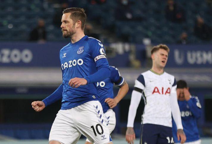 Gylfi Þór Sigurðsson skoraði bæði mörk Everton í 2-2 jafnteflinu við Tottenham í ensku úrvalsdeildinni á föstudaginn.