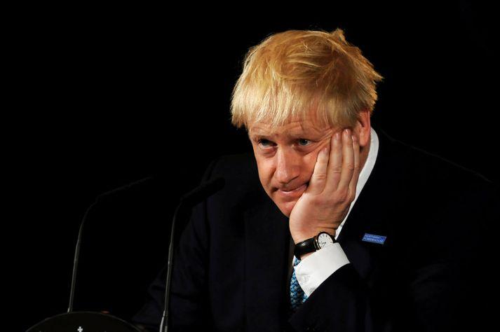 Boris Johnson, forsætisráðherra Bretlands, baðst afsökunar á seinkun Brexit.