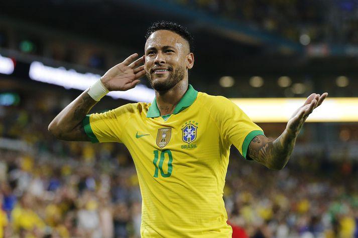 Neymar skoraði sitt 61. landsliðsmark í nótt.