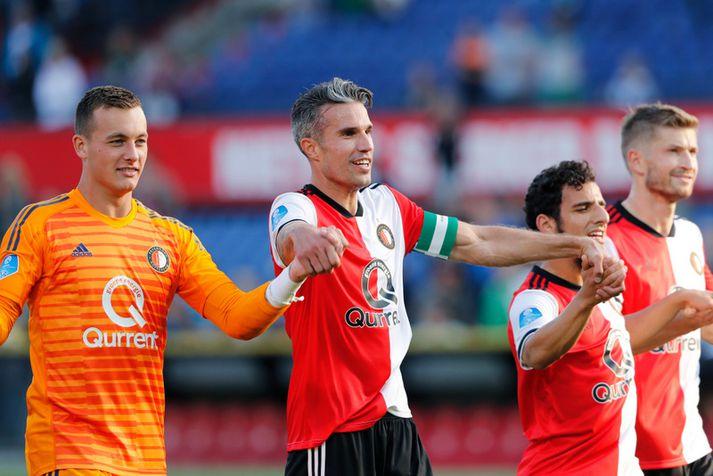 Robin van Persie fagnar með Feyenoord.