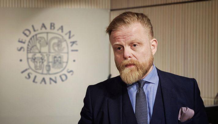 Ásgeir Jónsson seðlabankastjóri hefur boðað vaxtahækkanir á næstu mánuðum, en þær eru tvíeggja sverð.