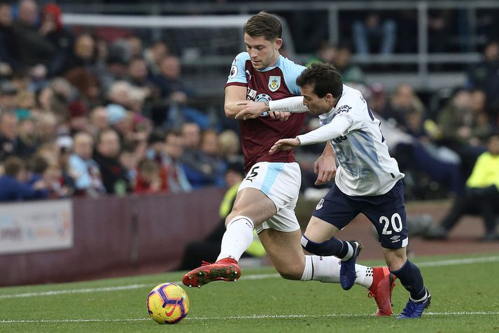 James Tarkowski í leik með Burnley.