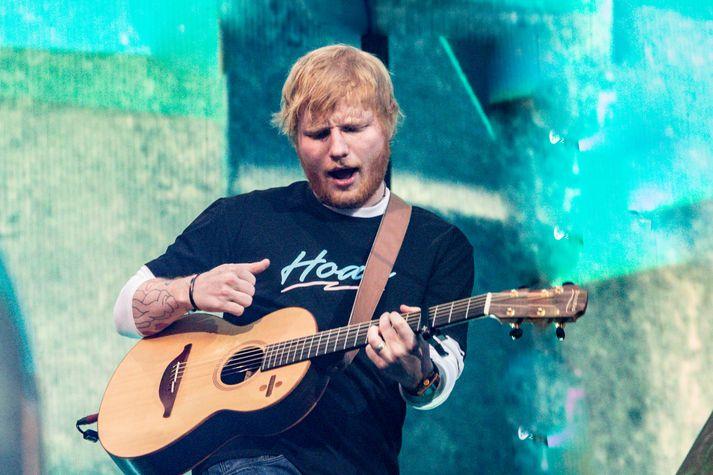 Ed Sheeran heldur tvo tónleika hér á landi aðra helgina í ágúst.