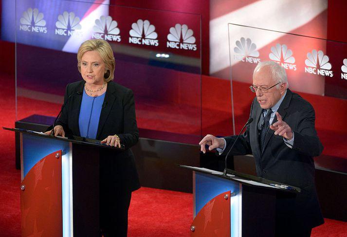 Hillary Clinton og Bernie Sanders öttu kappi í forkosningum Demókrata fyrir forsetakosningarnar 2016.