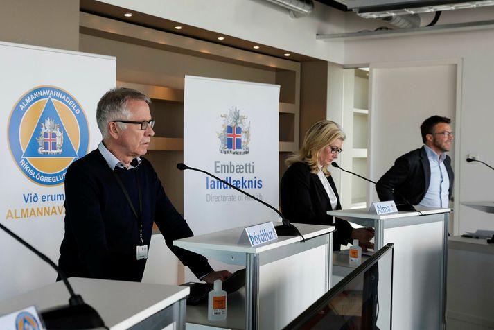 Þórólfur Guðnason sóttvarnalæknir, Alma Möller landlæknir og Páll Þórhallsson, verkefnastjóri hjá forsætisráðuneytinu.