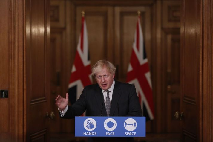Boris Johnson kynnti í dag hertar aðgerðir á landamærum vegna kórónuveirufaraldursins á Bretlandi.