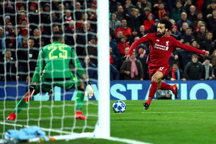 Mohamed Salah skoraði gríðarlega mikilvæg sigurmark á móti Napoli í fyrra.