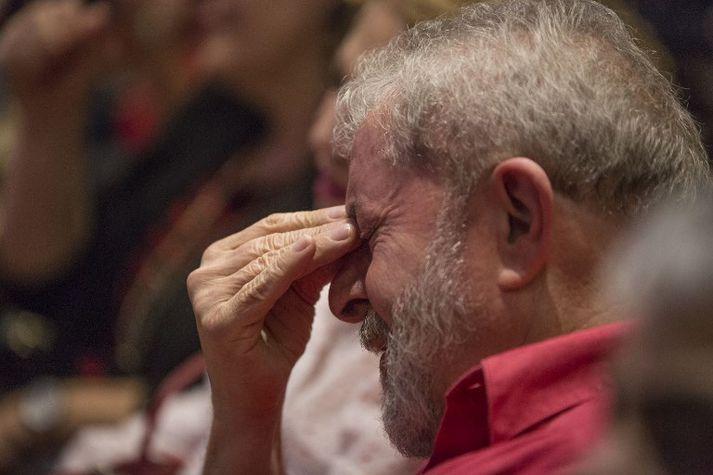 Lula hefur verið talinn sigurstranglegastur fyrir forsetakosningar sem fara fram í október. Dómurinn setur strik í reikninginn fyrir hann.