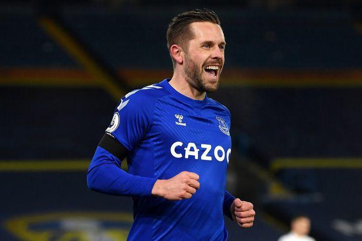 Gylfi Þór Sigurðsson fagnar hér marki með Everton liðinu á þessari leiktíð.