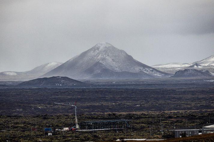 Leitað var að fólkinu í grennd við Keili.