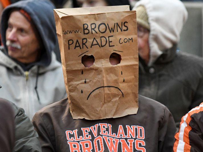 Skömmustulegur stuðningsmaður Cleveland Browns í fyrra.