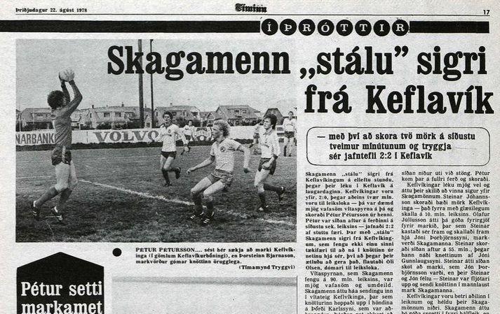 Úrklippa úr Tímanum frá 22. ágúst 1978 en þar sést Pétur Pétursson í Keflavíkurbúningnum. Hann setti nýtt markamet með því að skora tvö mörk undir lok leiksins.