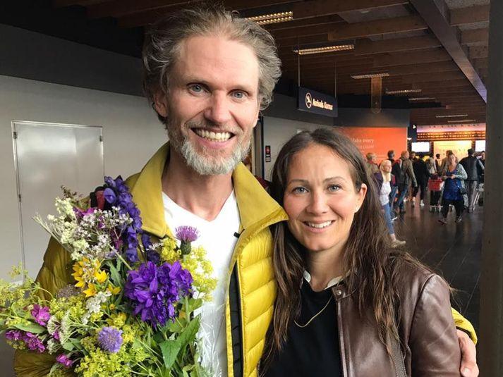 John Snorri og Lína Móey þegar hann kom til landsins árið 2017 eftir að hafa toppað K2 að sumarlagi.