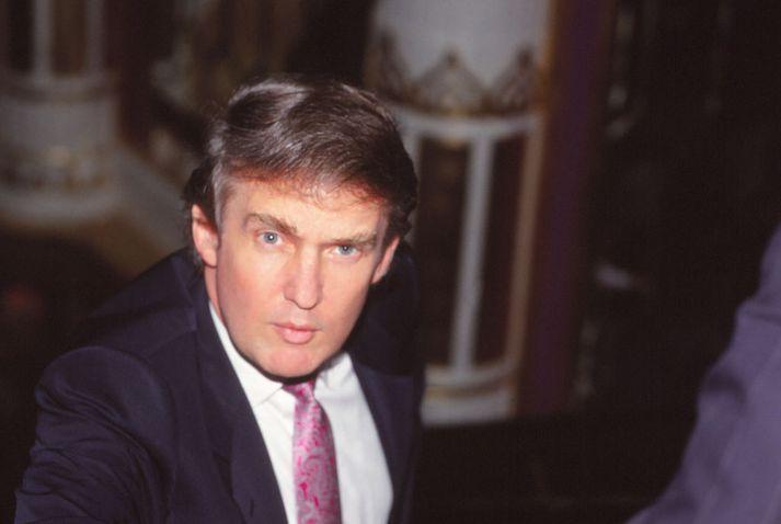 Trump vísaði meðal annars til velgengni spilavítis í Atlantic-borg til að ýkja auðæfi sín. Spilavítin fóru síðar lóðbeint á hausinn.