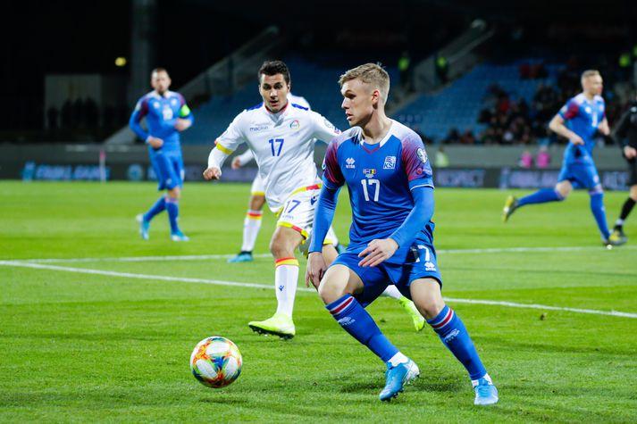 Arnór Sigurðsson á ferðinni í landsleik gegn Andorra.