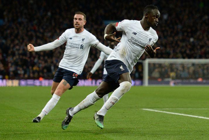 Sadio Mane fagnar sigurmarki sínu á móti Aston Villa um helgina.