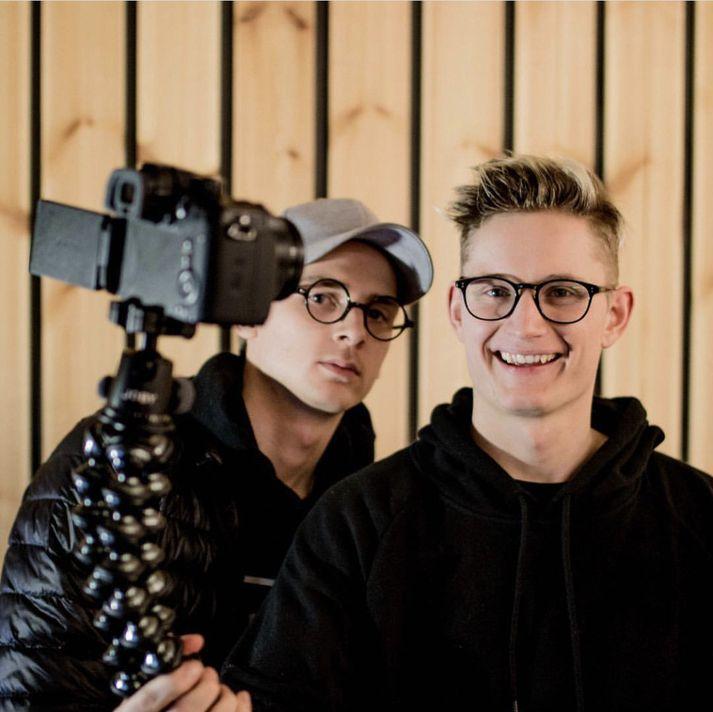 Ingi Bauer og Stefán Atli halda úti Youtube-síðunni Ice Cold þar sem þeir spila Fortnite í beinni alla fimmtudaga og búa til svokölluð vlogs eða vídeóblogg.