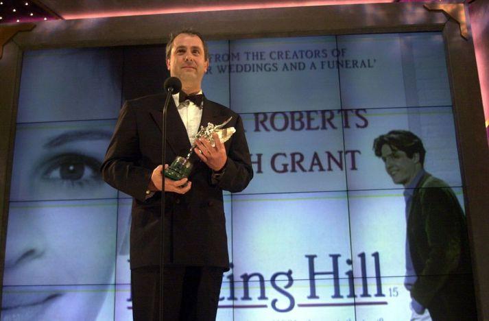 Roger Michell leikstýrði rómantísku gamanmyndinni Notting Hill mmeð þeim Hugh Grant og Juliu Roberts í aðalhlutverkum. Myndin kom út árið 1999.