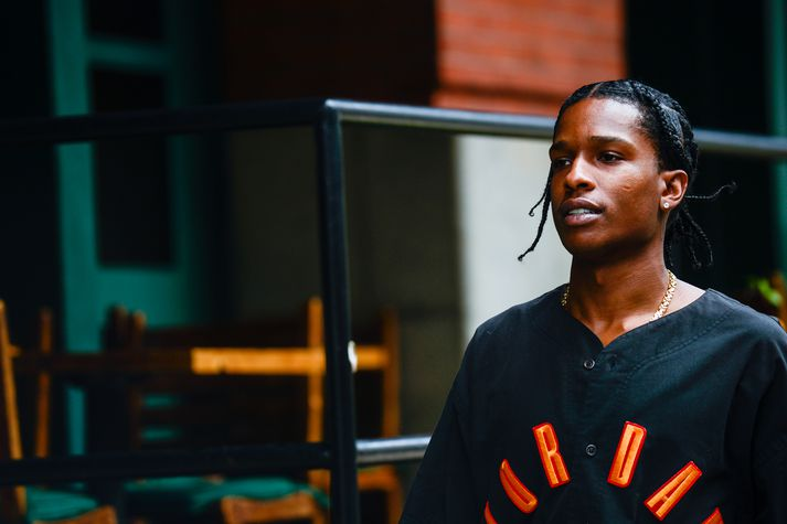 Aðdáendur bandaríska rapparans A$AP Rocky eru ánægðir með að hann hafi verið leystur úr haldi.