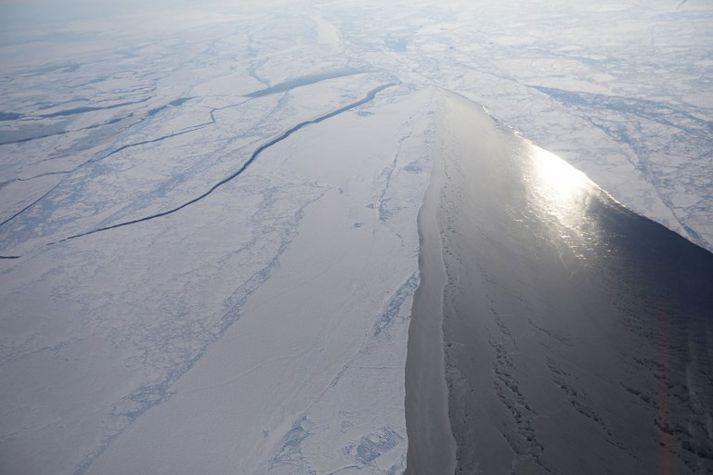 Hafís norðvestur af Grænlandi á mynd NASA frá því í mars í fyrra. Hámarksútbreiðsla íssins hefur aldrei mælst minni fyrir árstíma en þá.