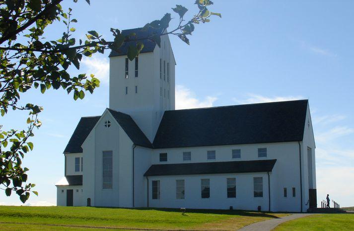 Ferðamenn, sem sækja Skálholt heim þurfa að borga aðgangseyri á staðnum í gegnum ökutækin, sem þeir koma á til staðarins.