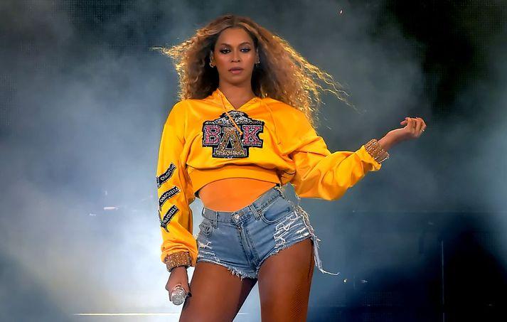 Beyoncé á Coachella í fyrra en tónleikarnir þeir fyrstu sem hún hélt eftir að hún fæddi tvíburana Rumi og Sir í júní 2017.