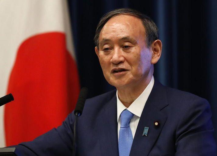 Yoshihide Suga er forsætisráðherra Japans.