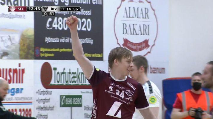 Einar Sverrisson fagnar eina marki sínu gegn ÍBV.