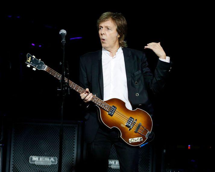 Paul McCartney leysir rækilega frá skjóðunni í viðtalinu.