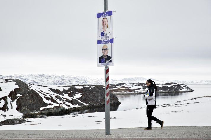 Kosningaveggspjöld í Nuuk.