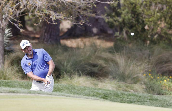 Lee Westwood leiðir enn á Players-mótinu í golfi.